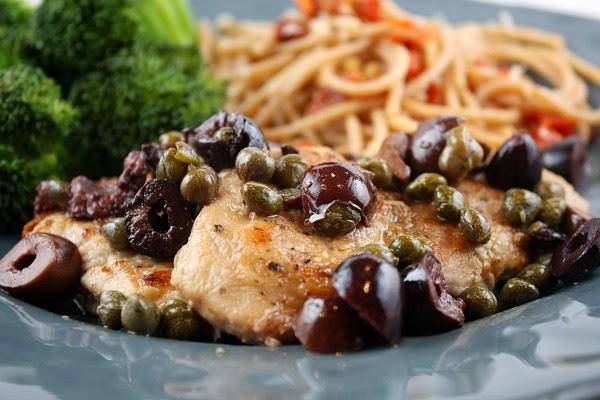 La KatWalk: Pork Chops in White Wine Sauce With Capers & Black Olives.
