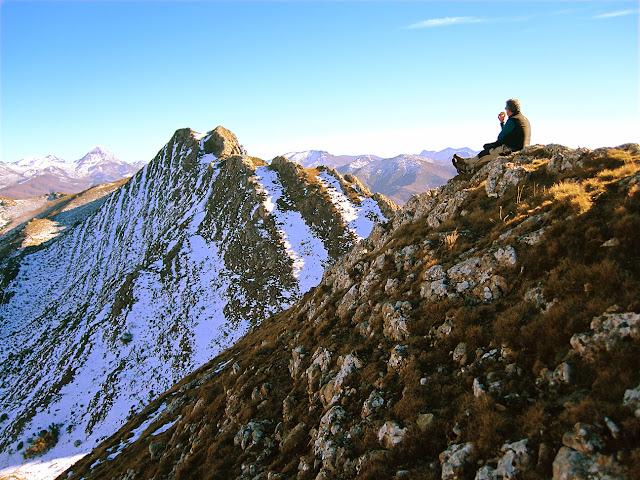 Pico Hato y pico Loto