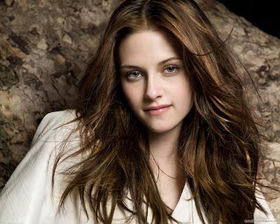 Kristen Stewart Gorgeous Hollywood Actress Wallpaper-Wide