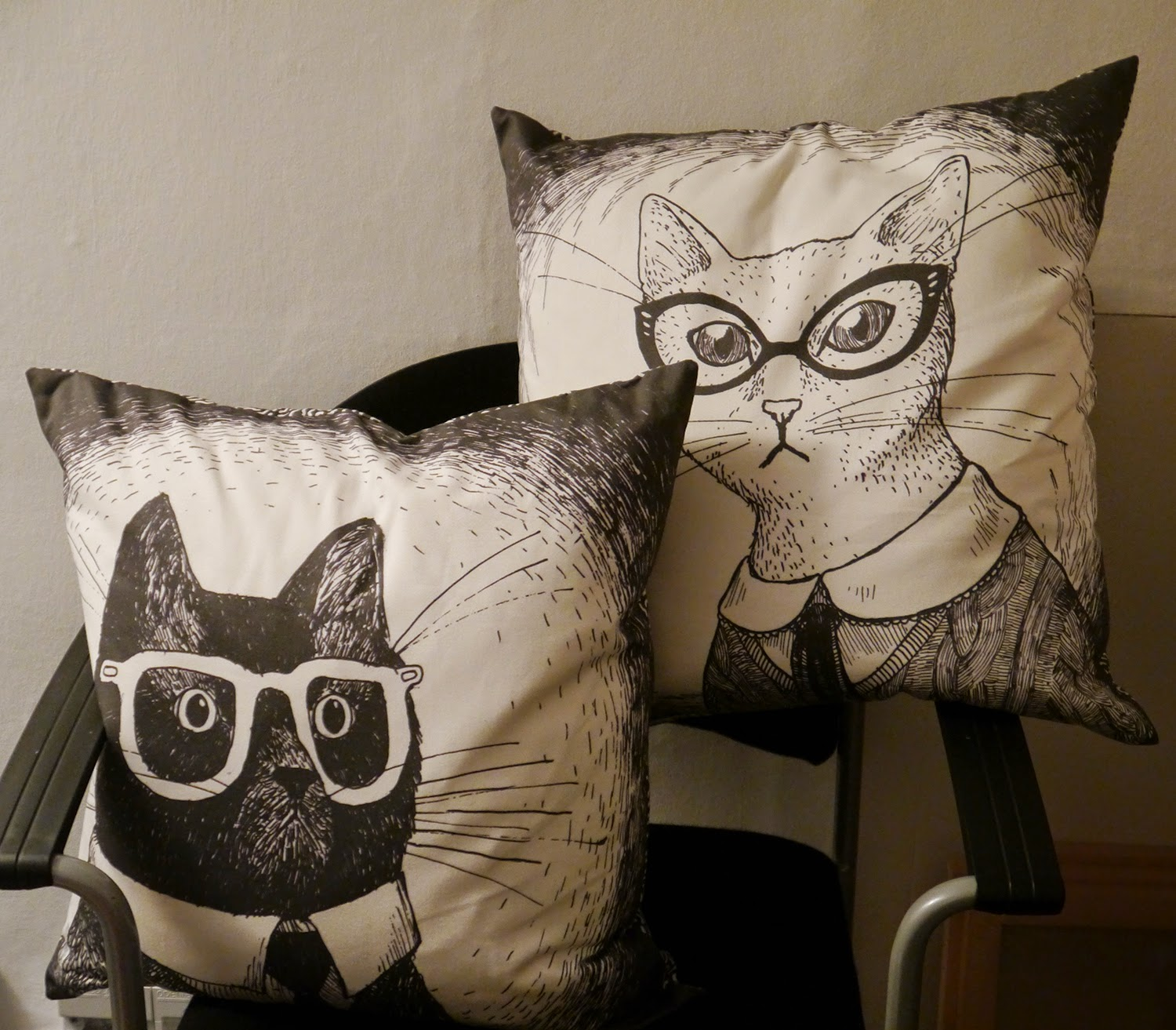 Hill Street Design Studio, design studio, artist studio, Edinburgh, launch night, event, Scottish Bloggers, Edinburgh Bloggers, Scottish Design, Scottish Designers, Cat Cushions, Cats in glasses, interior accessory