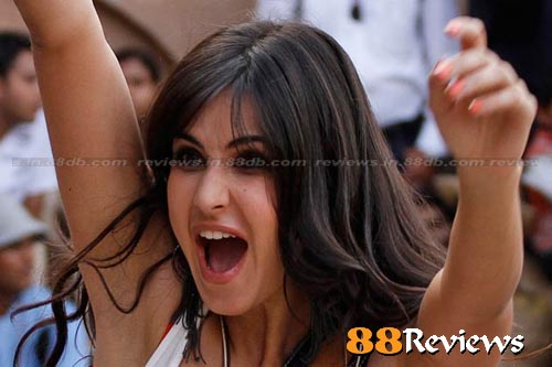 latest images of katrina kaif in mere brother ki dulhan. katrina kaif New Looks in MERE BROTHER KI DULHAN