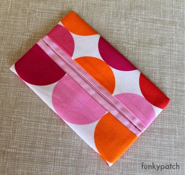 Sencillo y rapido paso a paso para hacer una funda para los pañuelos de papel