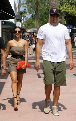 Kim Kardashian enjoying with Kris Humphries in Miami - Kim Kardashian