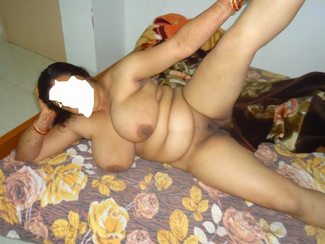 indian desi married kerala nude housewife spreading and juicy breasts showing