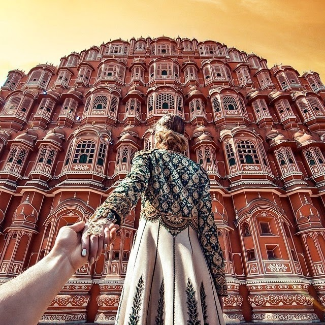 Photographer Follows His Girlfriend Around India, And Captures A Unique View Of Its Mystical Beauty.