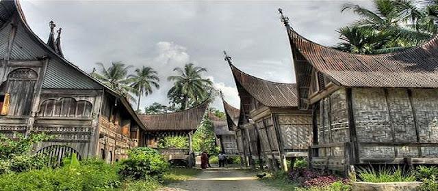 Syarat Berdiri 'Kampuang' di Minangkabau