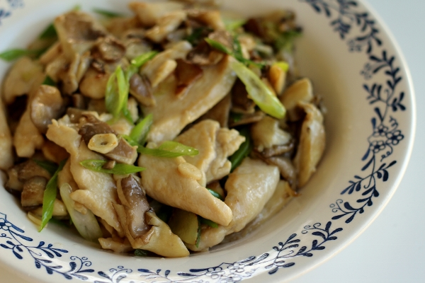Mission food stir fried oyster mushrooms with chicken forumfinder Choice Image