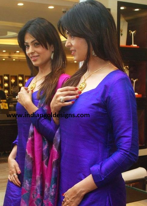 anjana sukhani shops for diwali at tanishq showroom