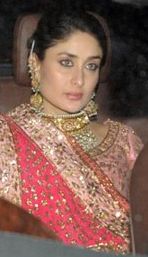 kareena kapoors pink delhi weddng reception walima dress outfit