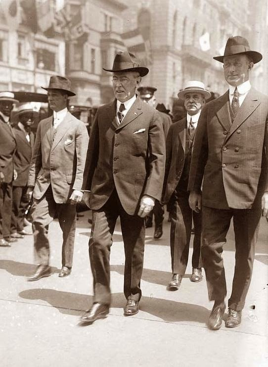 President Woodrow Wilson and his Secret Service detail