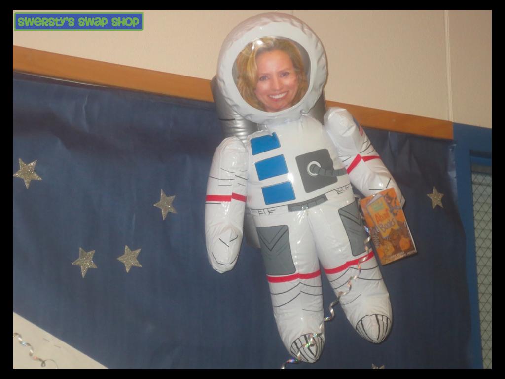 SWERSTYS SWAP SHOP - Astronaut decorations