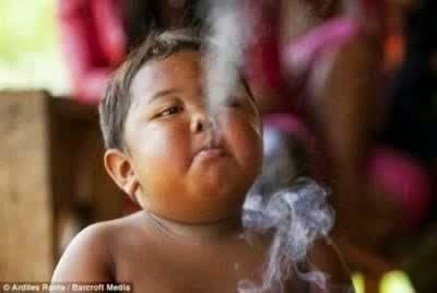 ardi-rizal-fumando