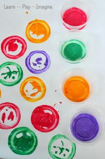 Circle printing - simple art exploration for kids