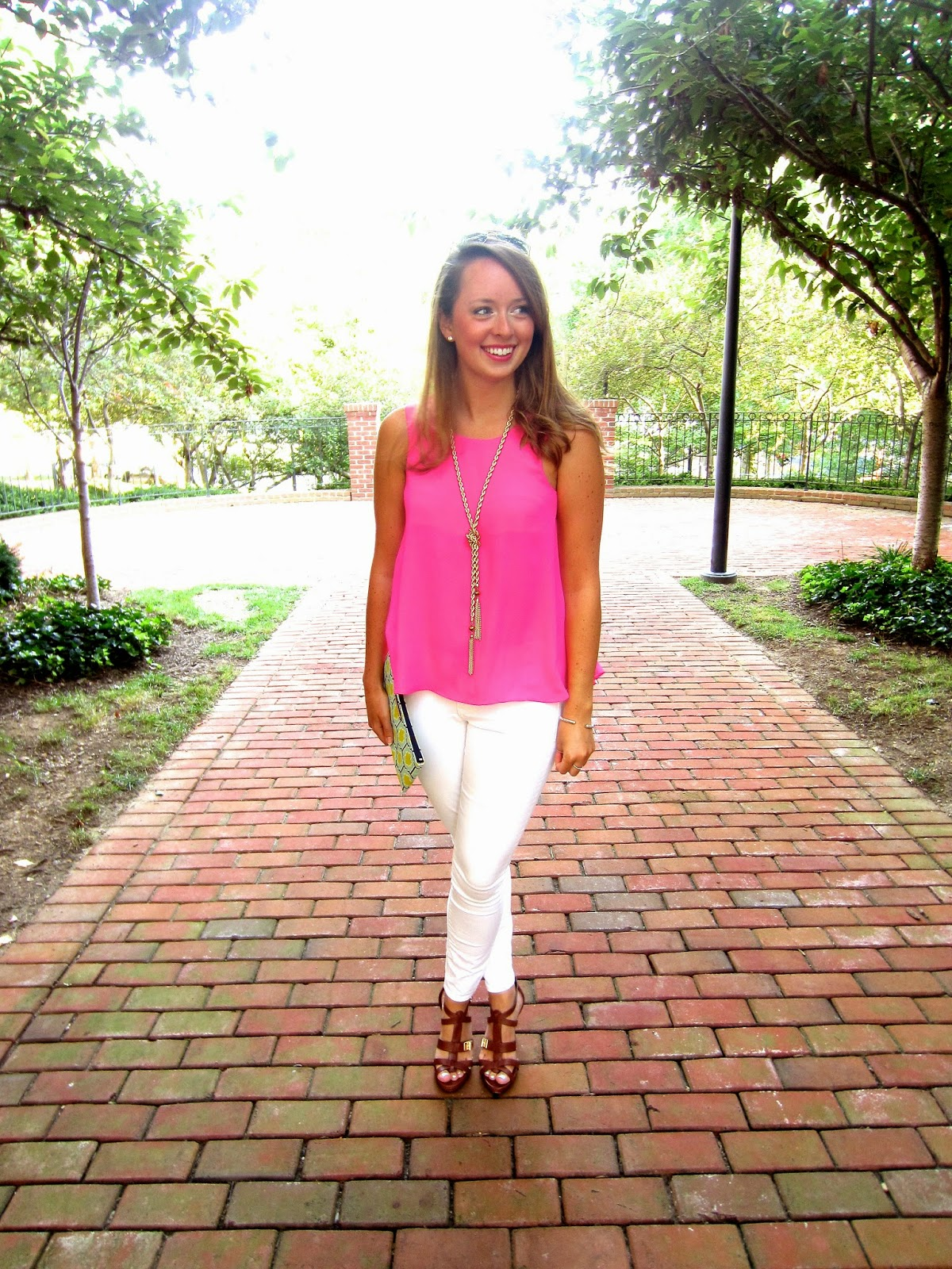 what color pants go with a pink shirt