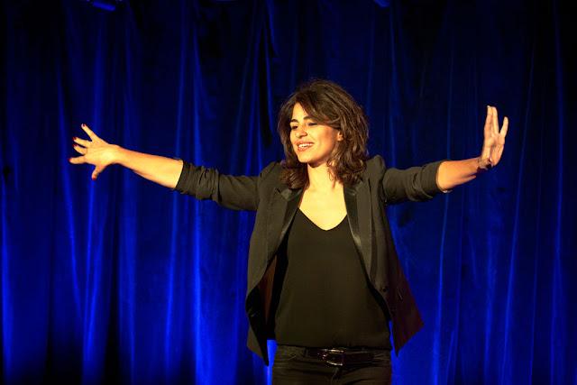 Sarah Doraghi à la Comédie des Boulevards, Copyright Cyrus Atory