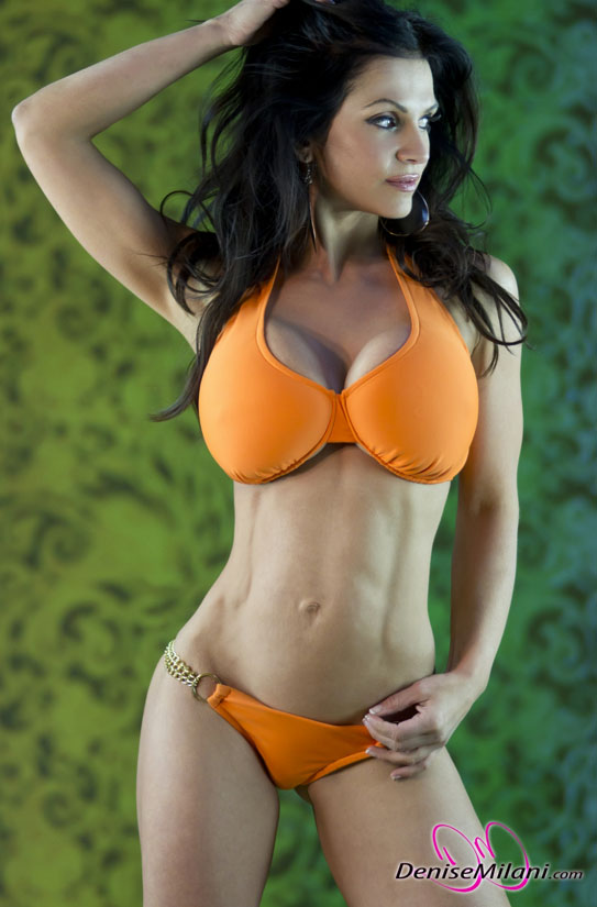 Denise Milani Huge cleavage show in bikini Photos | ~Picx~