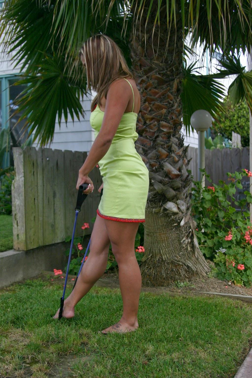 Her Calves Muscle Legs: Women Huge Muscular Calves