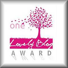 One lovely y blog award