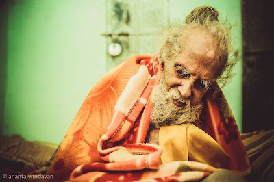 living with the himalayan masters hindi pdf