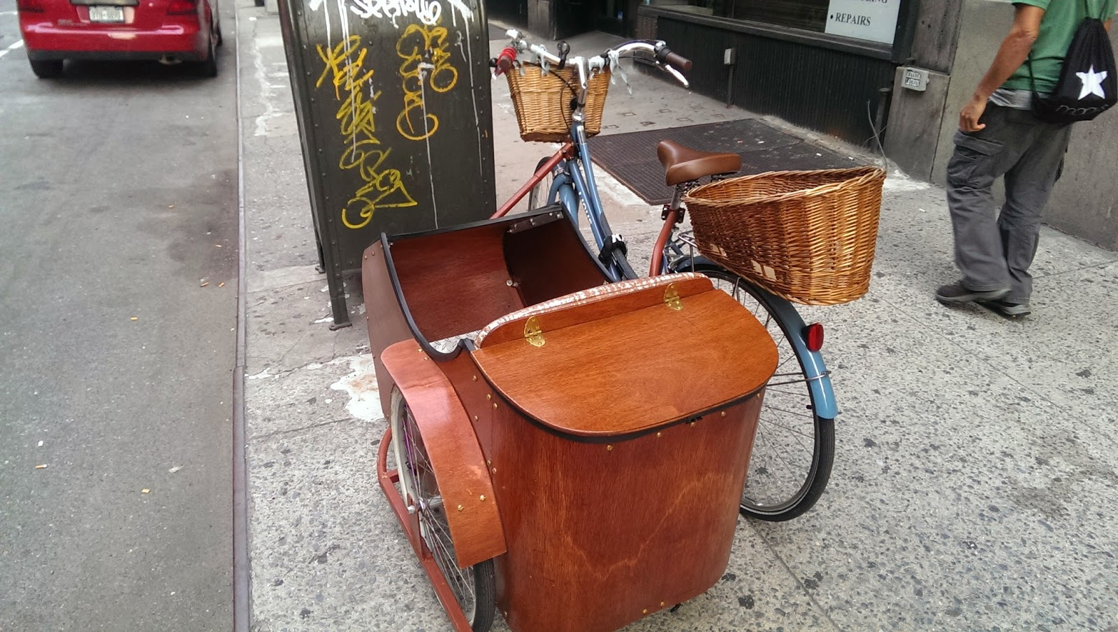 Linus Dutchi with Sidecar and Basket NYC Rear View