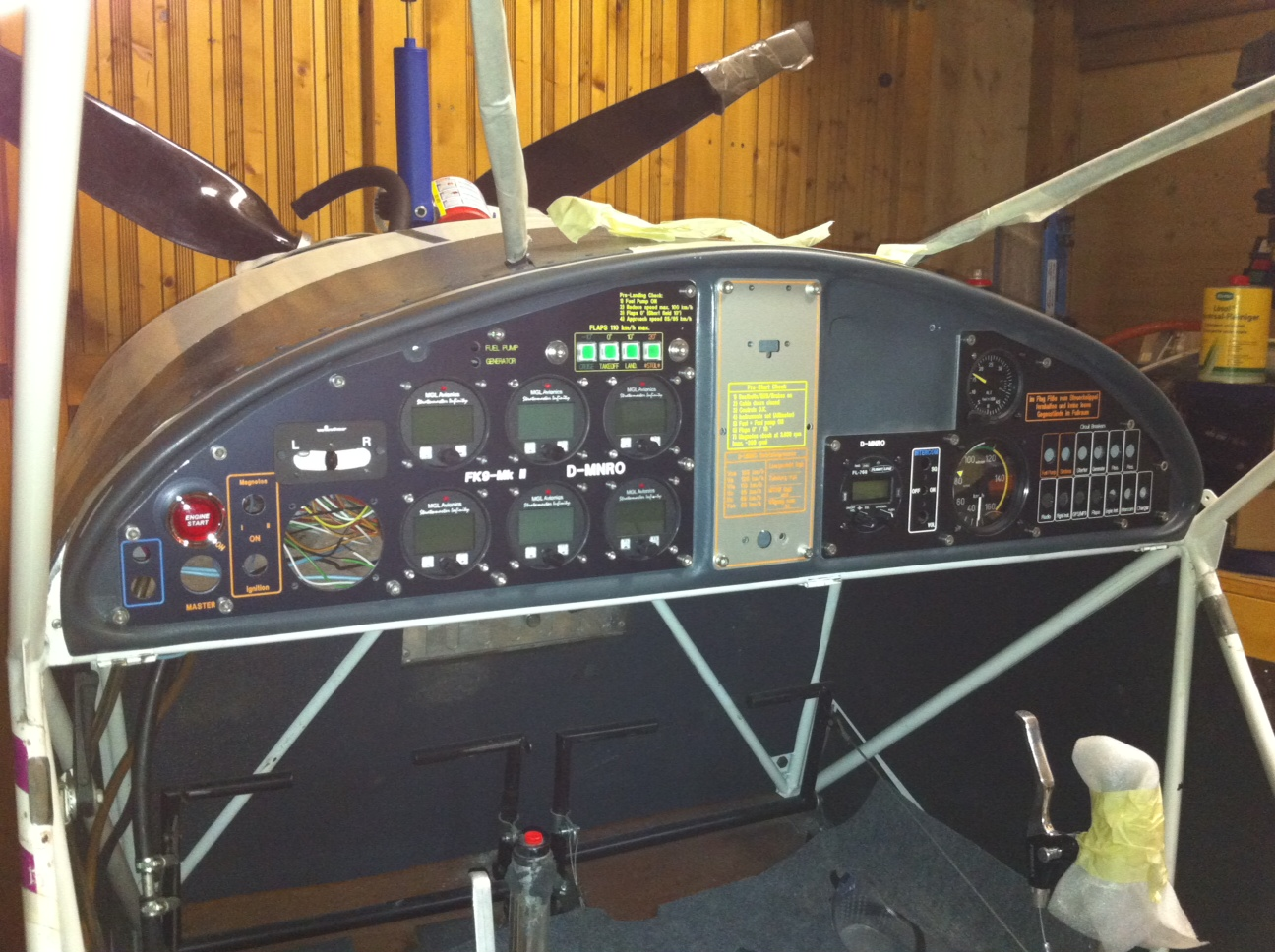 FK9 Mk1/2 Classic Ultraleichtflugzeug: Cockpit Panel fast fertig ...