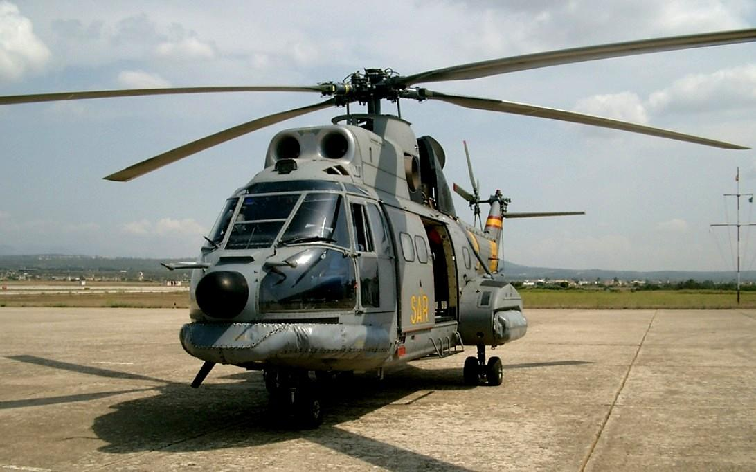 AS332 Super Puma Helicopter Wallpaper 3