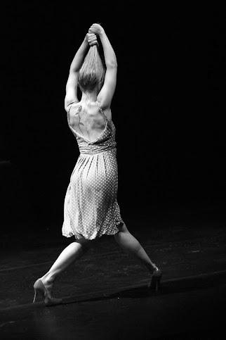 MULHER SELVAGEM - dança, teatro e música