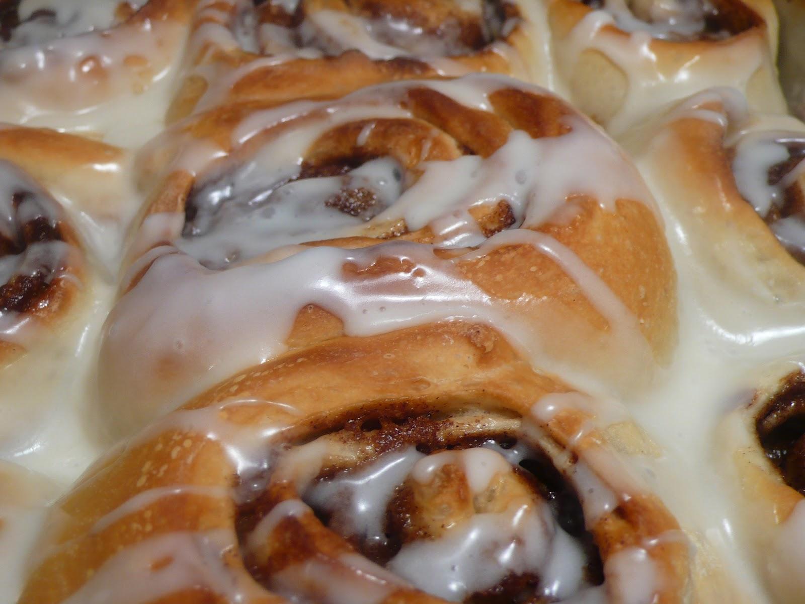 Joyously Domestic: Ultimate Overnight Cinnamon Rolls