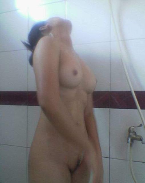 Foto Bugil Cewek Mandi Habis Seks