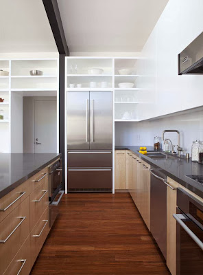 minimalist-kitchen-design-Net-Zero-Energy-Modern-House