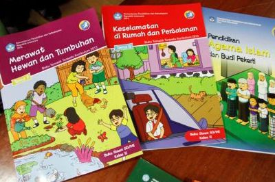 Buku kurikulum 2013 sudah banyak disisipkan materi latihan siswa.