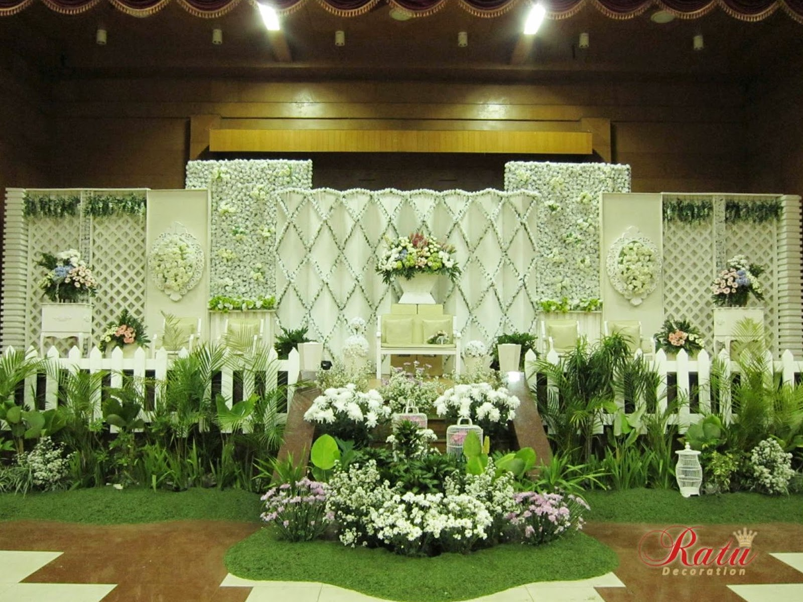 Ratu wedding decoration bandung image collections wedding dress ratu wedding decoration bandung images wedding dress decoration ratu wedding decoration bandung gallery wedding dress decoration junglespirit Images