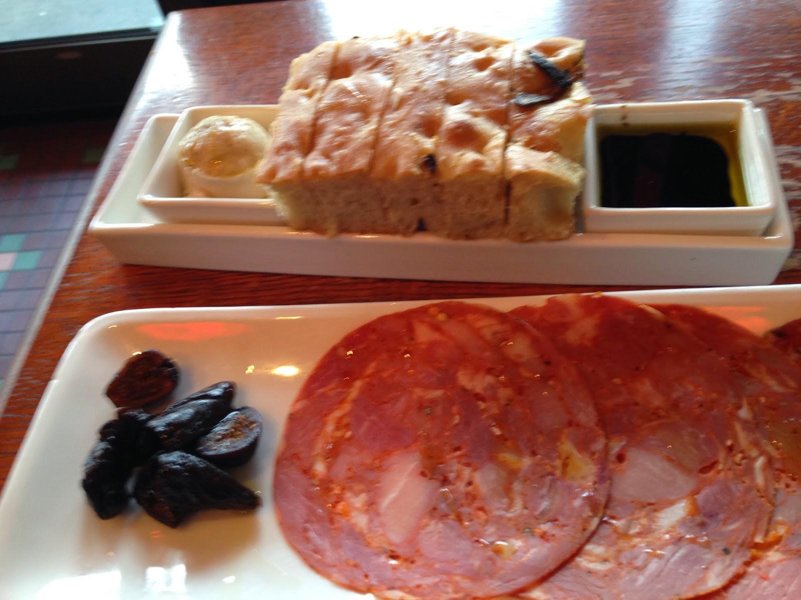 Travelvalue lawrence kansas genovese lawrence kansas for American italian cuisine