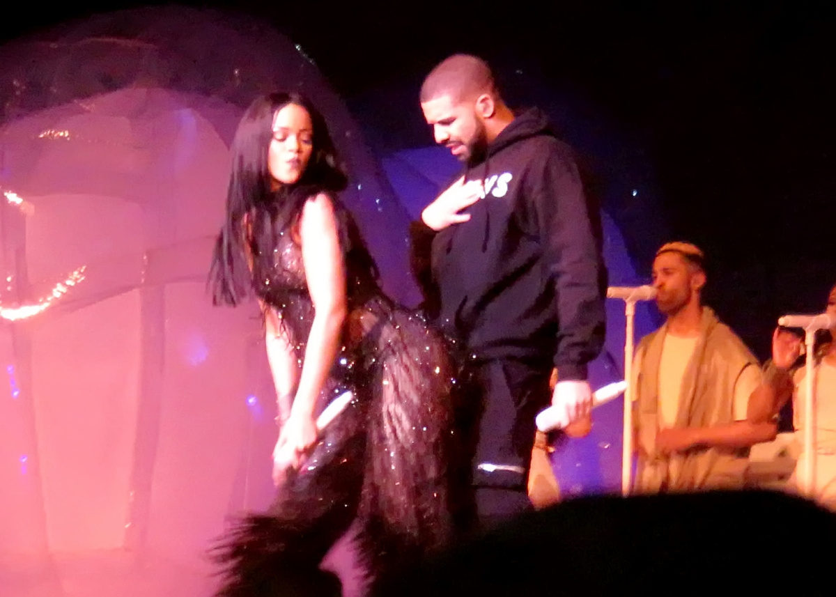 drake and rihanna officially dating