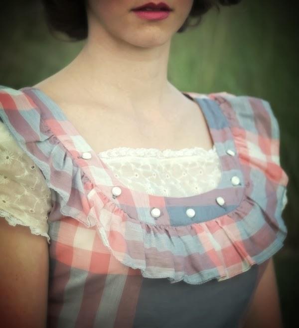 1940s dress detail #vintage #1940s #fashion #ruffle #lace