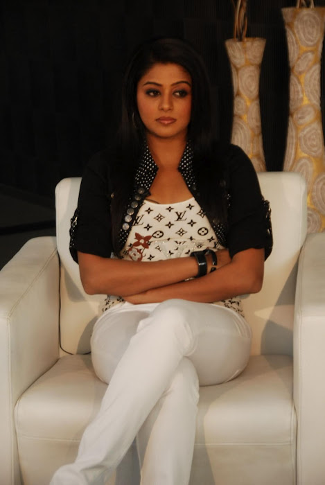 priyamani new latest photos