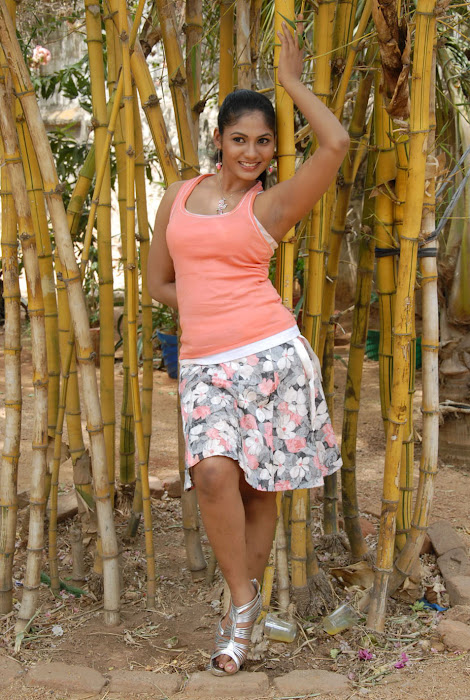 shruthi reddy unseen pics