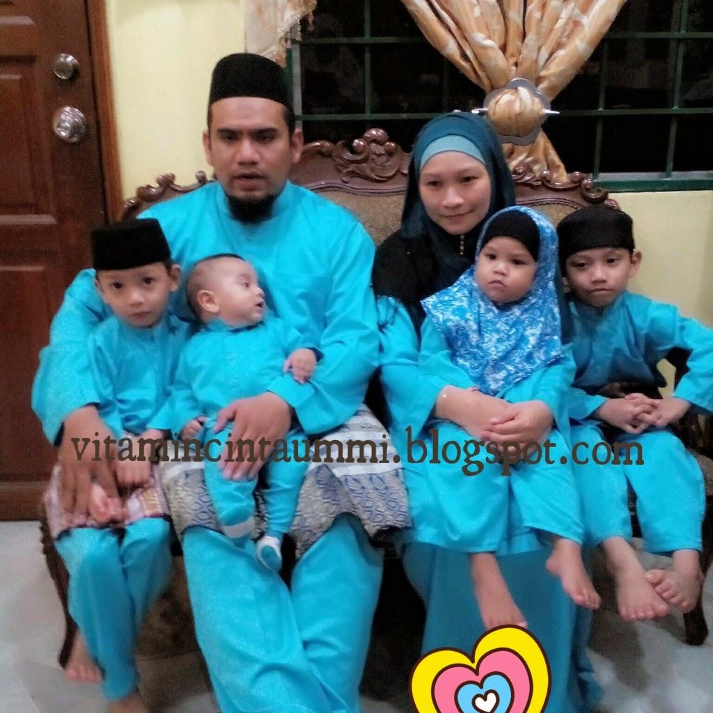 Me, Hubby & Kids....Alhamdulillah