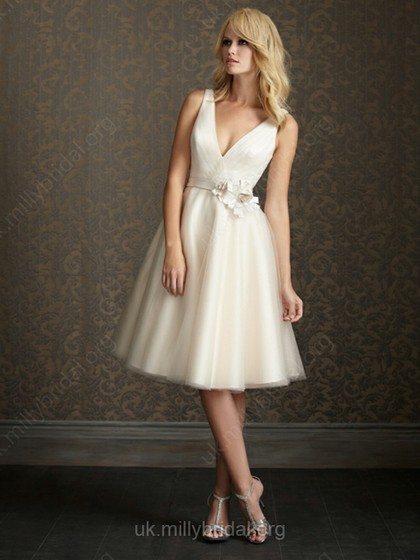 Sand under my feet short but sweet wedding dresses from millybridal a short midi or tea length wedding dress will allow you to still look like the bride you have dreamed to be without the hassle of lugging around a long junglespirit Images