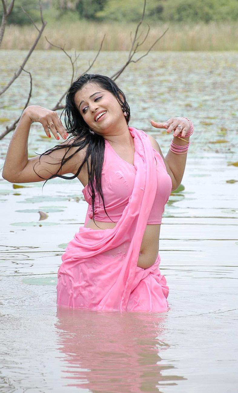 Hot South Indian Actress - Roopa