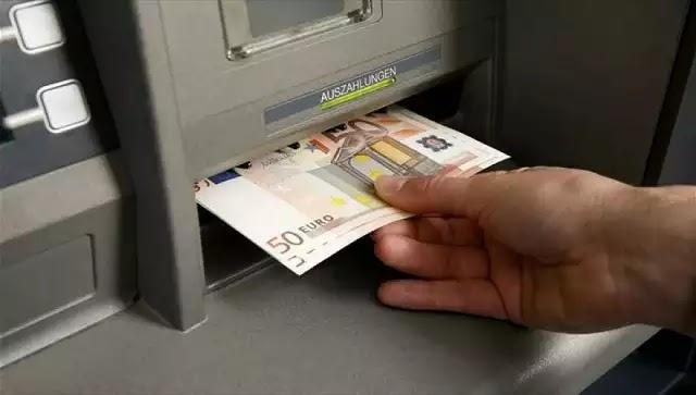 Ανοίγουν λογαριασμούς και «αρπάζουν» καταθέσεις ακόμη και για χρέη κάτω των 5.000 ευρώ