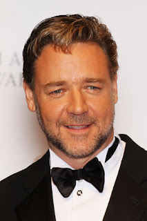 'Les Miserables' star Russell Crowe dug up 50 trees with his bare hands