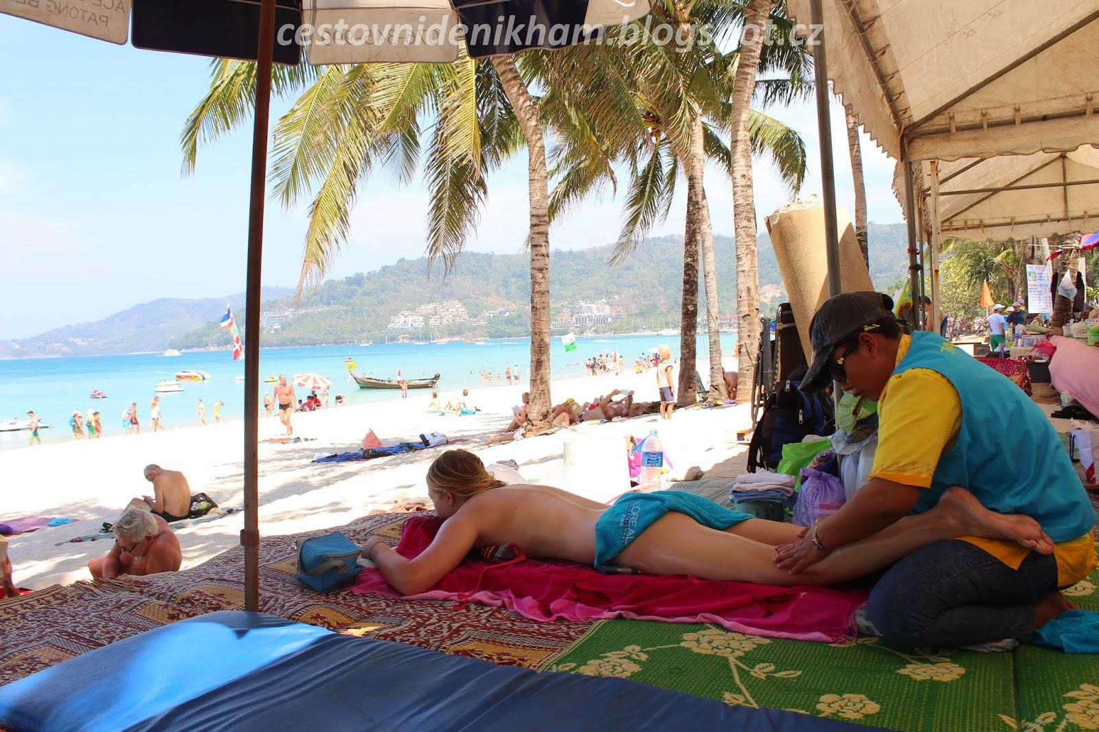 olejová masáž na pláži // oil massage on Patong Beach