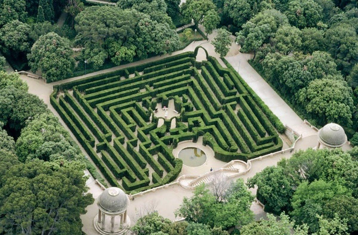 Las fotos mas alucinantes laberinto de horta for Jardin laberinto