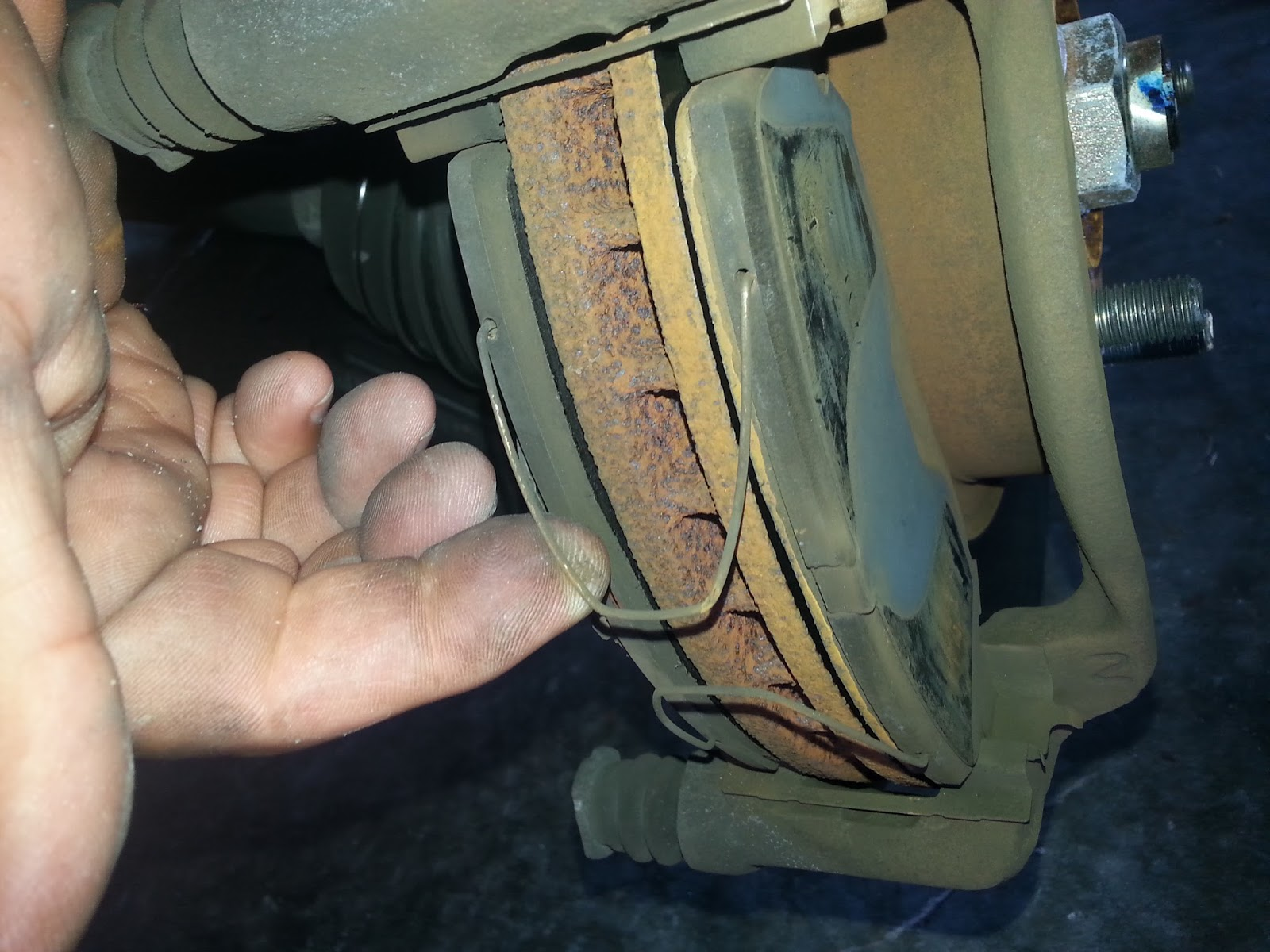 This is a diy for a 2000 honda crv front brakes with slotted rotors
