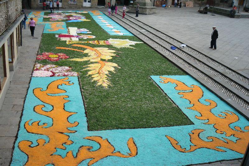 Cofrades de viveiro preparativos para el domingo del corpus - Dibujos para alfombras ...
