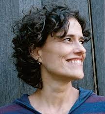 Zélia Duncan canta tema de Marisa