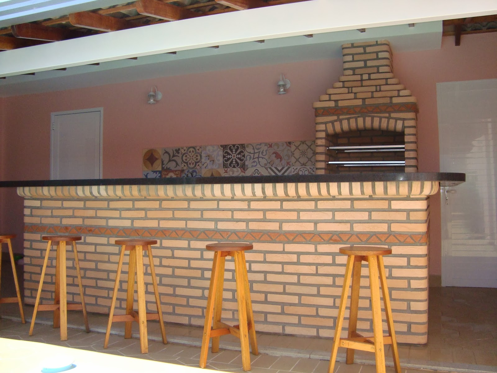 #C57406 balcão tem 5 5 metros de comprimento contando com a lateral do lado 1600x1200 px Altura Ideal Para Balcão De Cozinha Americana #1775 imagens
