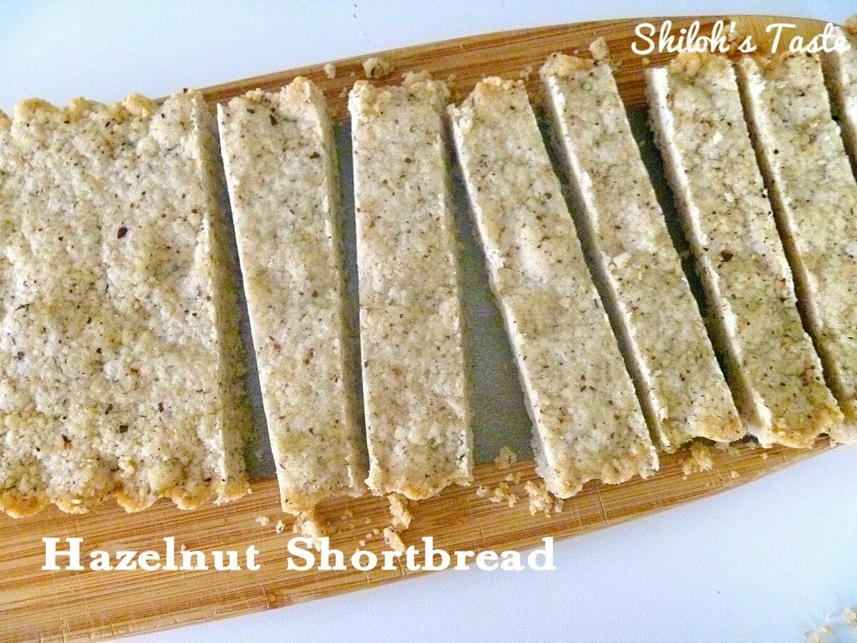 Hazelnut Shortbread | www.shilohstaste.com  #shortbread #cookies #hazelnut