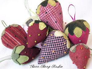Wool Strawberry Kit...